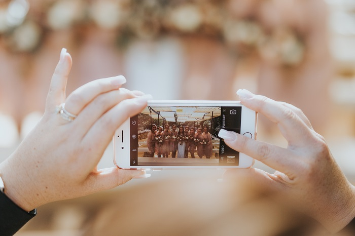 social media at wedding