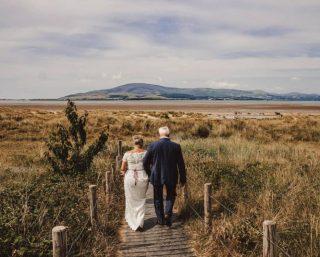 Into the wild... 🏔🌥 Now that's a venue. 😍⠀ ⠀ 📸@aj.photography.a ⠀ ⠀ ⠀ #scenicwedding #whatavenue #northwestwedding #venuenorthwest #weddinginspo #weddinginspiration #countybrides #weddingdress #weddingphotography #weddingphotos
